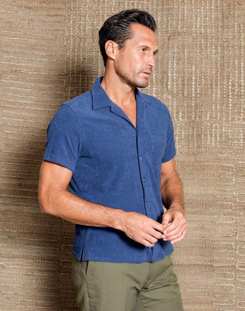 short sleeve shirt with straight hem